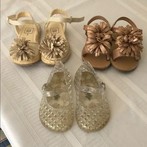 Baby girl lot of gap sandals